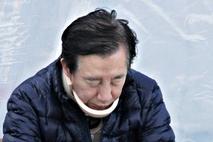 "[NEWSinPhoto]김성태 자유한국당 원내대표 ""수액은 꽂지 마라, 단식 계속한다"" 정치 테러 당한 후 병원에서 투쟁현장으로 바로 복귀 ….. 20180506 저녁 국회 본청 계단 앞"