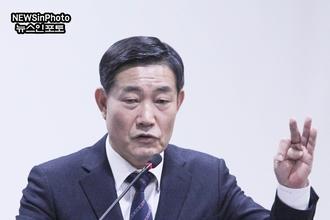 [NEWSinPhoto]트럼프만 믿으면 안 됩니다,북한 비핵화 코 앞입니다!….신원식 장군,바른통일포럼20190103.