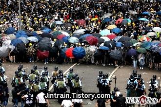 [NEWSinPhoto]홍콩시민들의 자유민주주의를 향한 열망과 승리를 응원한다!. Supporting the aspirations and victories of Hong Kong citizens for liberal democracy ….기독자유당{고영일 대표/변호사}