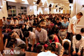 [NEWSinPhoto 뉴스인포토닷컴 / # 중국 이른비언약교회 기독교 탄압 2편] 중국 공안, 더 많은 이른비언약교회 성도들을 구금.구타!……..굴하지 않고, 담대하게 유치장에서 복음 전하는 중국 성도들!.20210527. 순교자의소리, 한국 VOM (Voice of the Martyrs Korea)